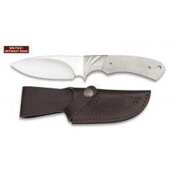 Cuchillo. Total 22.8 cm. C/Funda